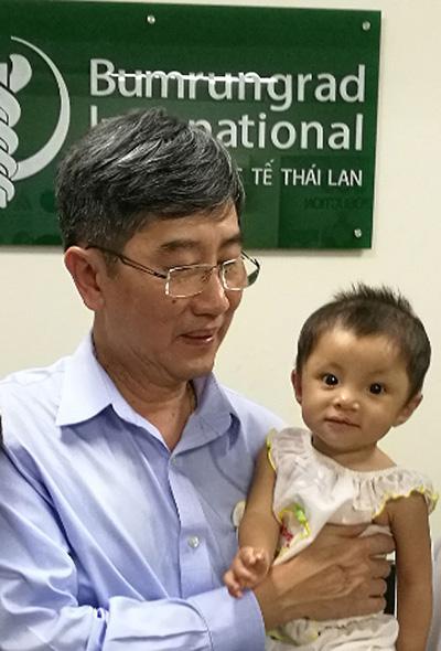 Trẻ Việt bị dị tật tim bẩm sinh sang Thái phẫu thuật - 2