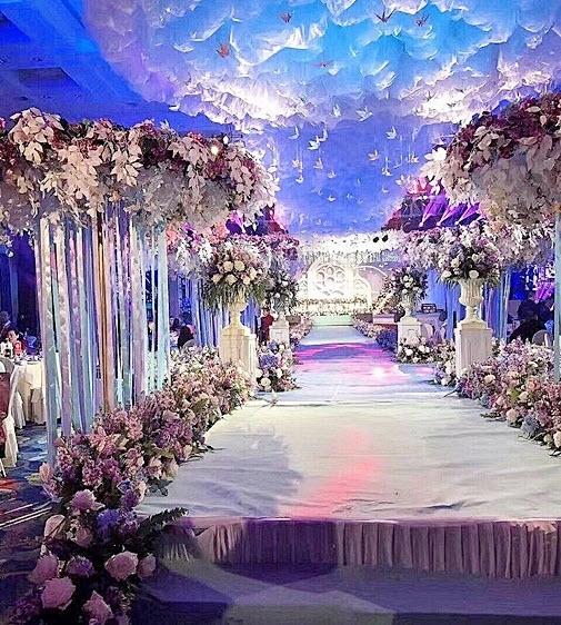 Phì cười với quà cưới bất ngờ trong đám cưới trăm tỷ - 8