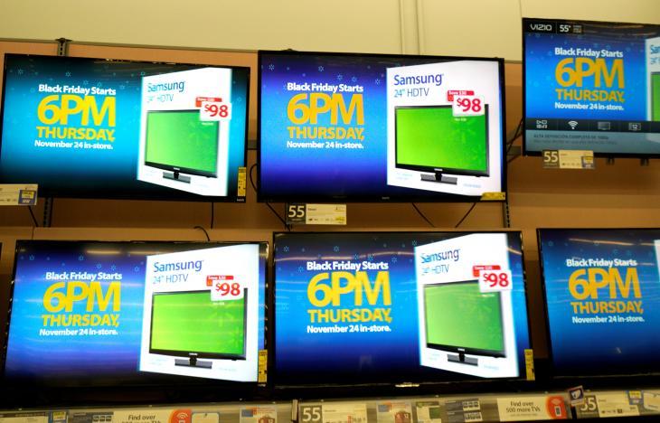 Nhiều cửa hàng Mỹ giảm giá sốc trước Thứ Sáu Đen - 3