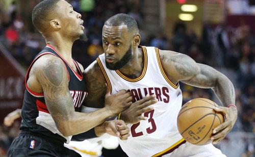 """Siêu sao bóng rổ NBA bùng nổ với kỳ tích """"triple-double"""" - 1"""