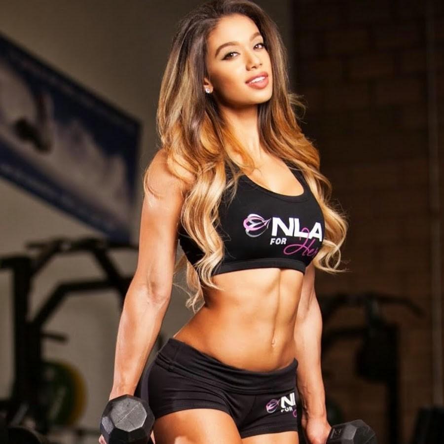 Muốn tập gym ngay khi thấy mỹ nữ Brazil gợi tình này - 10