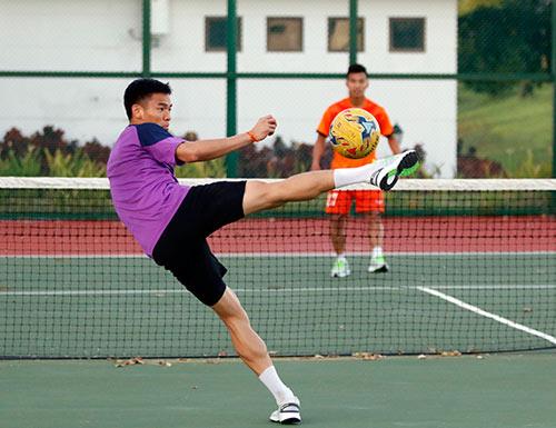 Xuân Trường, Ngọc Hải trình diễn kỹ thuật ở sân tennis - 11