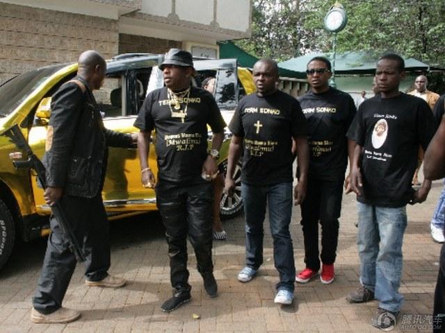 """Đại gia mê vàng chơi sang """"vượt mặt"""" Tổng thống Kenya - 5"""
