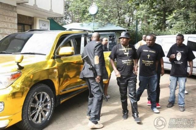 """Đại gia mê vàng chơi sang """"vượt mặt"""" Tổng thống Kenya - 4"""