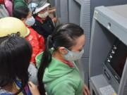 Tài chính - Bất động sản - Người dân phải 'cõng' nhiều khoản phí khi dùng thẻ ATM