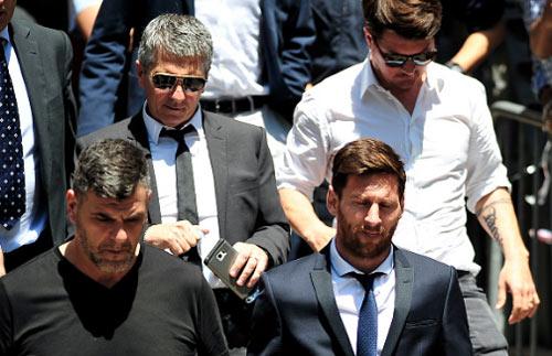 """Ronaldo cũng """"trốn"""" thuế, nhưng """"khôn"""" hơn Messi - 1"""