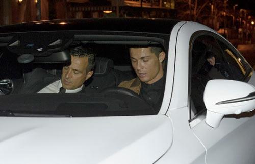 """Ronaldo cũng """"trốn"""" thuế, nhưng """"khôn"""" hơn Messi - 3"""