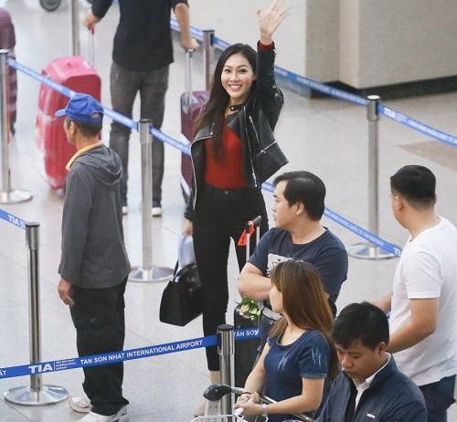 Hoa khôi Diệu Ngọc mang 100kg hành lý đi thi Miss World - 4