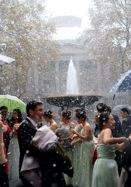 Co ro trong tuyết lạnh để chụp ảnh cưới đẹp tuyệt vời - 4