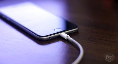 Bày cách sạc iPhone nhanh hơn gấp hai lần - 1