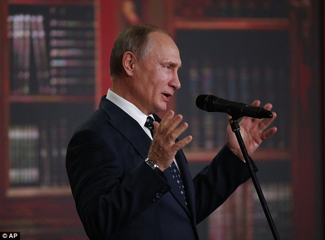 """Putin đùa: """"Biên giới Nga không kết thúc ở đâu cả"""" - 1"""
