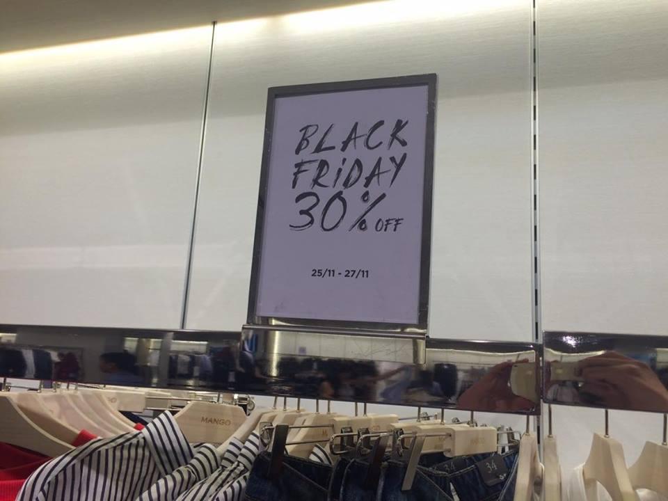 TP.HCM - Hà Nội: Black Friday và những hình ảnh đáng xem - 3