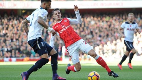 Arsenal: Xhaka, nguy cơ từ đắt giá thành hàng hớ - 2