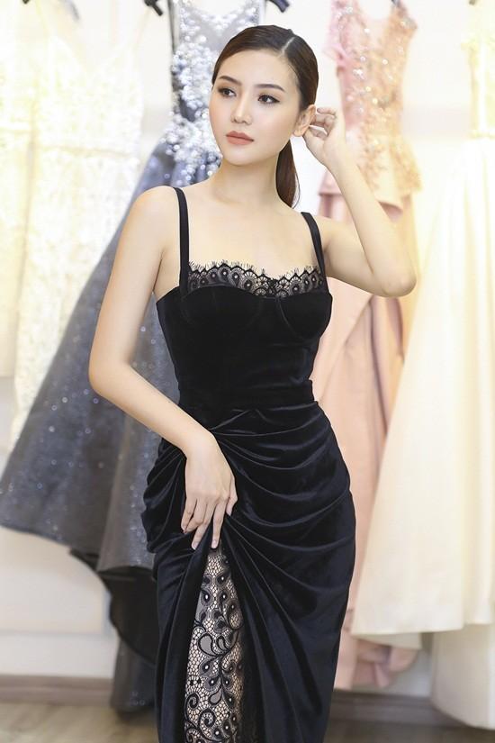 Mãn nhãn với váy áo lộng lẫy của Ngọc Duyên dự show nội y - 8