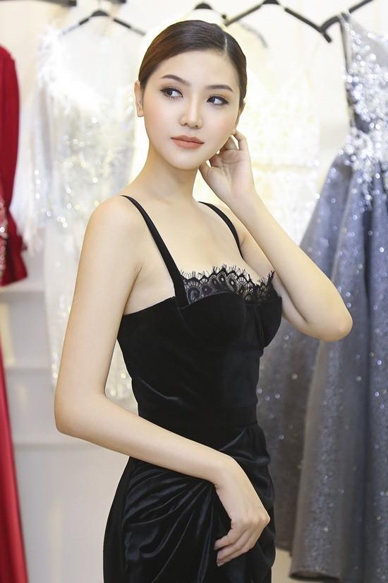 Mãn nhãn với váy áo lộng lẫy của Ngọc Duyên dự show nội y - 9