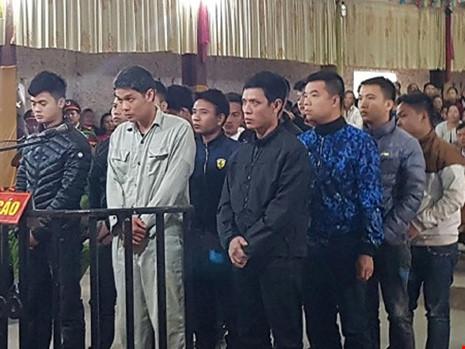 Nhóm côn đồ truy sát một gia đình ở Phú Thọ lĩnh án - 1