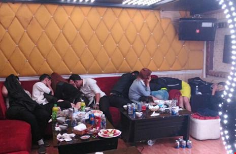 Hàng chục thanh niên phê ma túy trong nhà hàng ở SG - 3