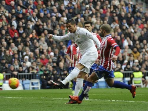 Real Madrid - Gijon: Không Bale, đã có Ronaldo - 1