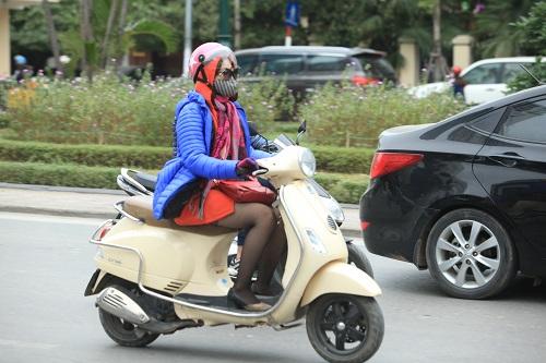 """Gái Hà Nội mặc """"trên đông dưới hè"""" trong ngày rét 15 độ - 6"""