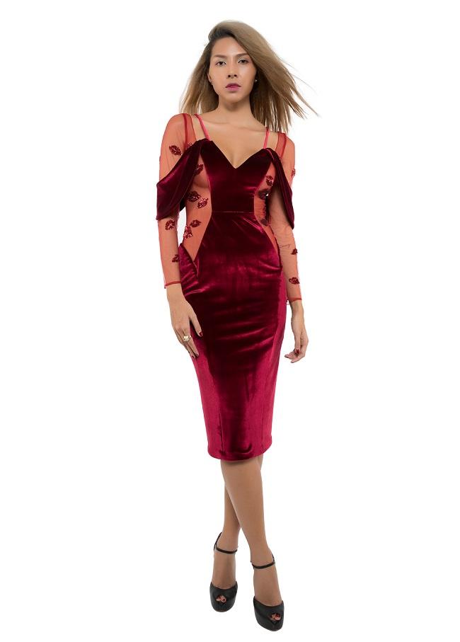 Chân dài Minh Triệu khác lạ với váy cắt xẻ tứ bề - 2