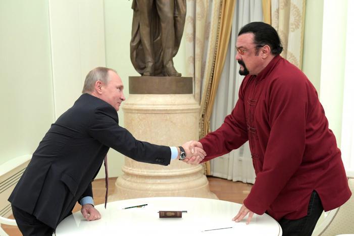 Putin cấp hộ chiếu Nga cho diễn viên Mỹ nổi tiếng - 2