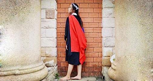Mẹ nghèo xấu hổ không dám dự lễ tốt nghiệp của con - 1