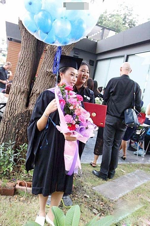 Mẹ nghèo xấu hổ không dám dự lễ tốt nghiệp của con - 4