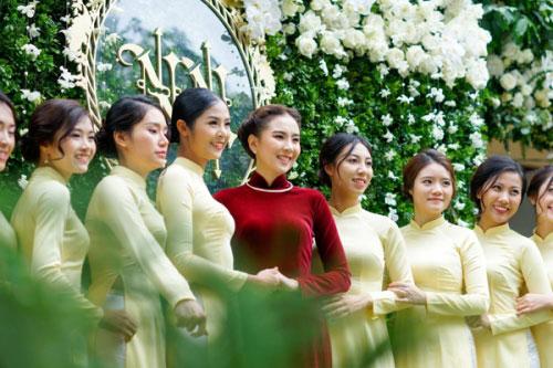 MC Mai Ngọc diện áo dài đính 2.000 viên ngọc trai - 5