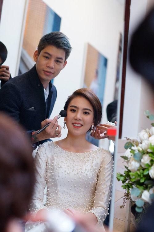 MC Mai Ngọc diện áo dài đính 2.000 viên ngọc trai - 8
