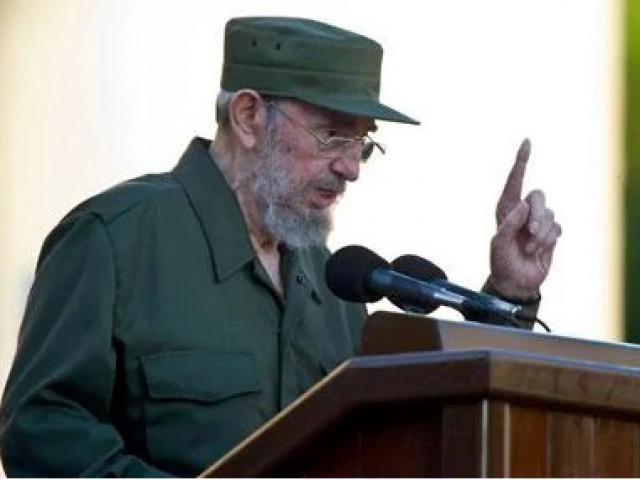 Thế giới - Cuộc đời oanh liệt của Fidel Castro qua 16 bức ảnh