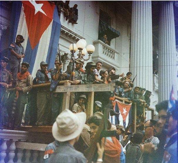 Cuộc đời oanh liệt của Fidel Castro qua 16 bức ảnh - 5