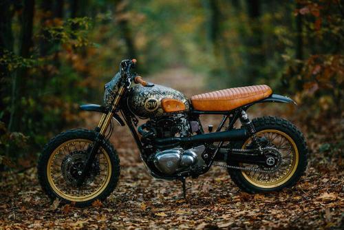 Ngắm Kawasaki W650 Scrambler độ hình xăm cực chất - 2