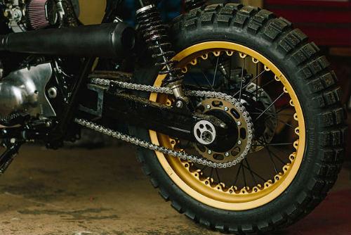 Ngắm Kawasaki W650 Scrambler độ hình xăm cực chất - 8