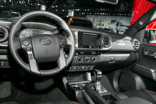 2017 Chevrolet Colorado ZR2 có hạ nổi Toyota Tacoma? - 4