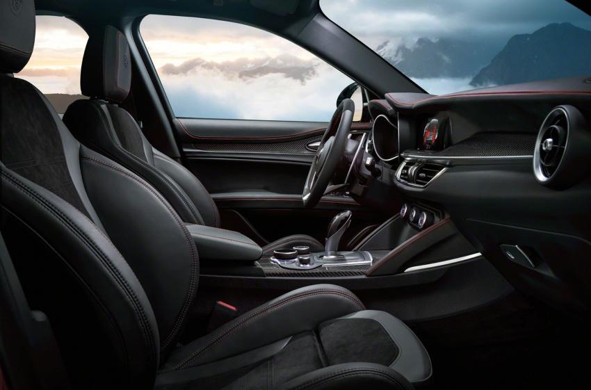 Alfa Romeo Stelvio: Bước đột phá thị trường crossover - 5