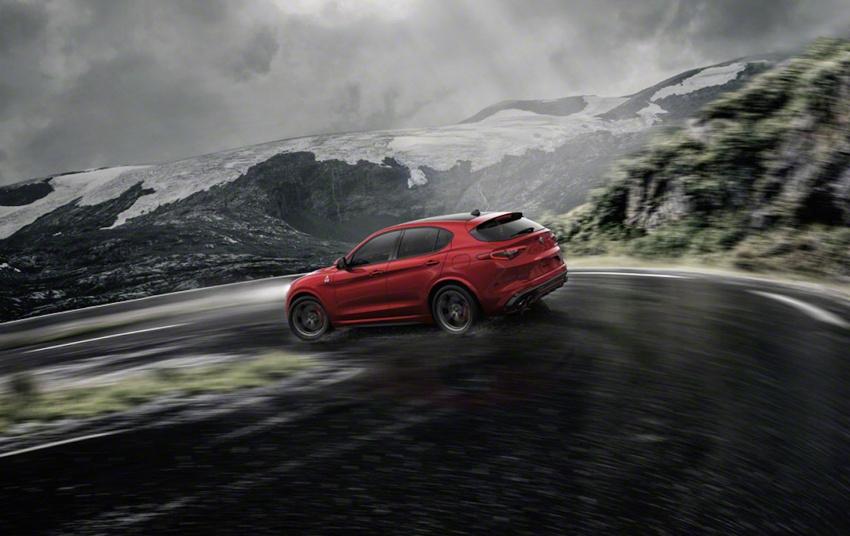 Alfa Romeo Stelvio: Bước đột phá thị trường crossover - 4