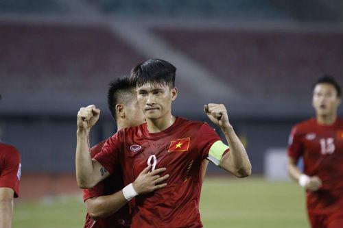 AFF Cup: Công Vinh ghi bàn thứ 51, số 1 Đông Nam Á - 4