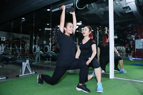 Lộ loạt ảnh tập gym của Quán quân bước nhảy ngàn cân 2016 - 9