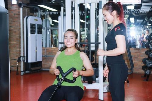 Lộ loạt ảnh tập gym của Quán quân bước nhảy ngàn cân 2016 - 10