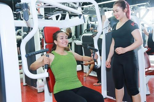 Lộ loạt ảnh tập gym của Quán quân bước nhảy ngàn cân 2016 - 11
