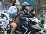 """Gái Hà Nội mặc  """" trên đông dưới hè """"  trong ngày rét 15 độ"""