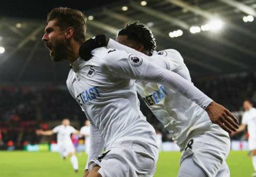 Swansea – Crystal Palace: Mãn nhãn 9 bàn thắng - 1