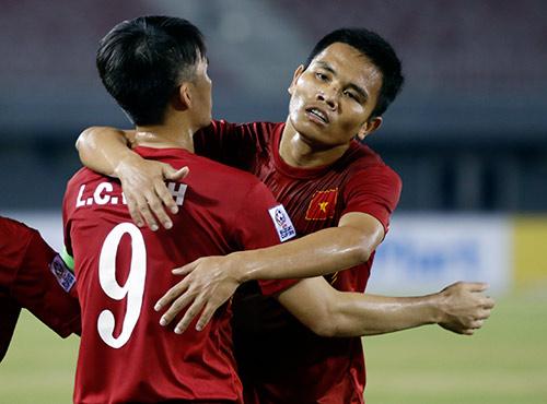 """ĐT Việt Nam: Khi Thắng """"điếc"""" cũng được ví như Pirlo - 10"""