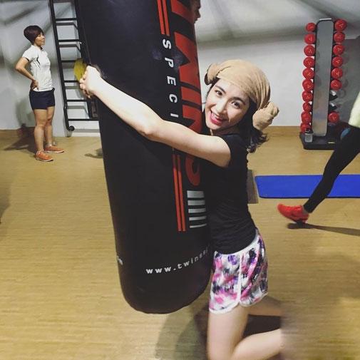 Hòa Minzy - Hoàng Yến Chibi: Ai tập gym gợi cảm hơn? - 2