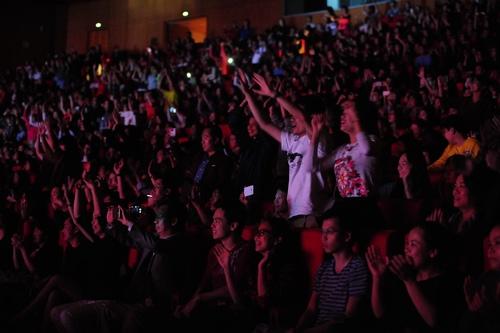 """Khán giả U60 """"quẩy sung"""" trong đêm nhạc Modern Talking - 9"""