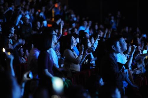 """Khán giả U60 """"quẩy sung"""" trong đêm nhạc Modern Talking - 11"""