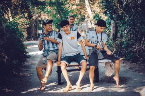 Bộ ảnh hồi ức tuổi thơ gây sốt của 4 chàng SV báo chí - 5