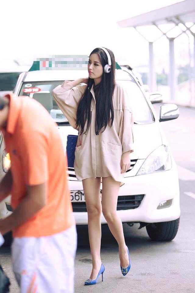 Mai Phương Thúy mê mặc váy cực ngắn khoe chân siêu dài - 14