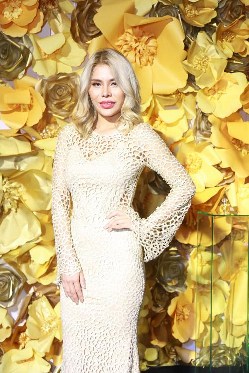 Jolie Nguyễn xẻ khoét tới hông, đọ sắc cùng dàn mỹ nhân Việt - 2