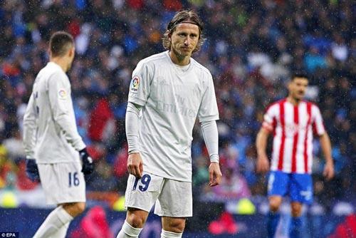 Real thắng nhọc & kỉ lục: Đá thế sẽ thua El Clasico - 2